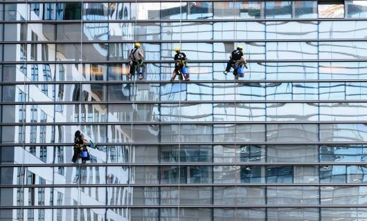 Trucos para tener los cristales de ventanas y escaparates impecables