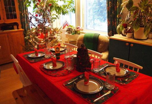 Esta Navidad, pon manteles desechables en tu mesa